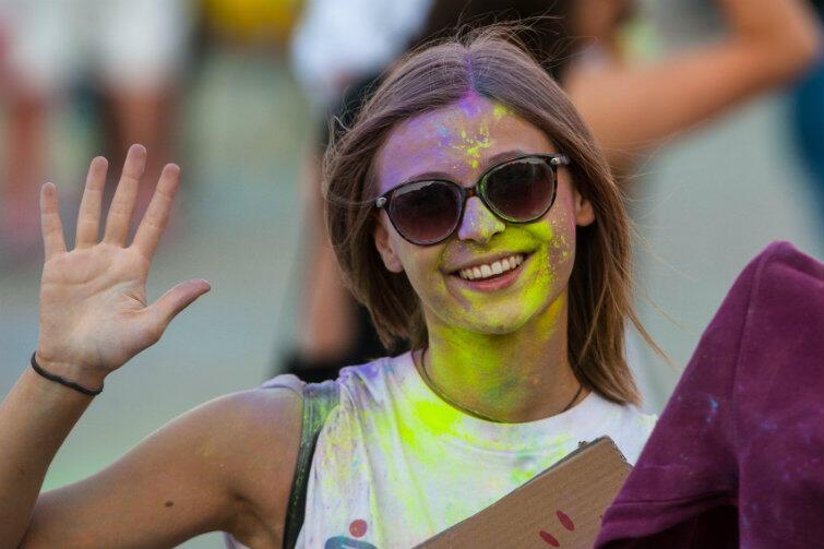 Festiwal Kolorów co roku przyciąga na plac Zebrań Ludowych tysiące młodych