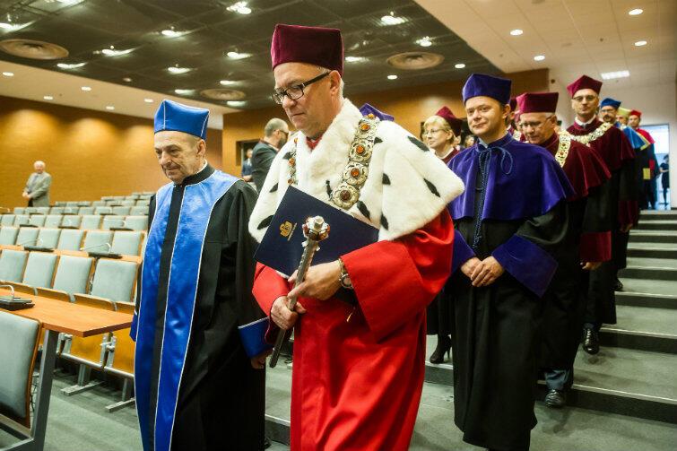 Nowy Doktor H.C. Uniwersytetu Gdańskiego i profesorowie gdańskiej uczelni