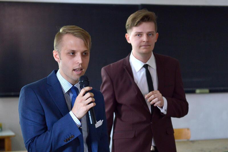 Od lewej: Michał Malewczyk, Tomasz Kruszyński autorzy zwycięskiego projektu Niemiasto 2050