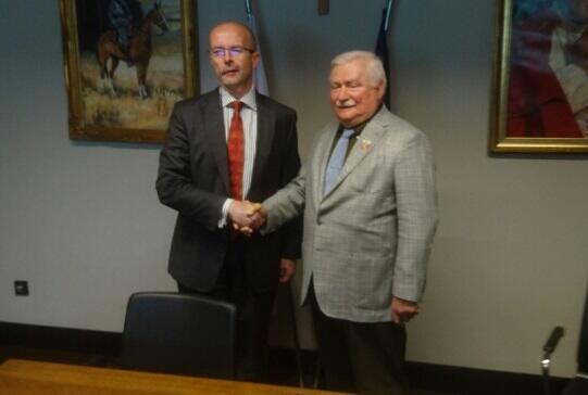 Jonathan Knott - ambasador Wielkiej Brytanii w Polsce spotkał się także z byłym prezydentem RP Lechem Wałęsą