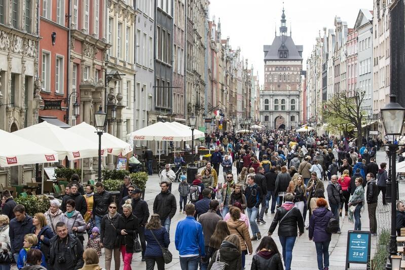Na Głównym Mieście w Gdańsku liczba ogródków gastronomicznych grubo przekracza 200