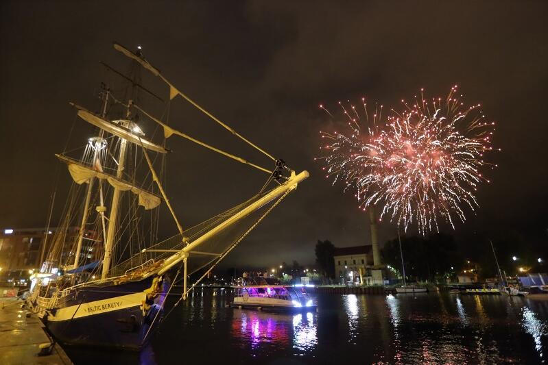 Pokaz fajerwerków na XXI Baltic Sail