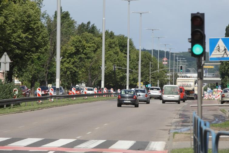 Na al. Grunwaldzkiej szykują się w najbliższych tygodniach utrudnienia dla kierowców. W tym czasie można skorzystać z alternatywnej ulicy biegnącej przez Zaspę