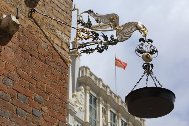 Lampa smolna w pełnej krasie - do podziwniania od wtorku, po 70 latach przerwy