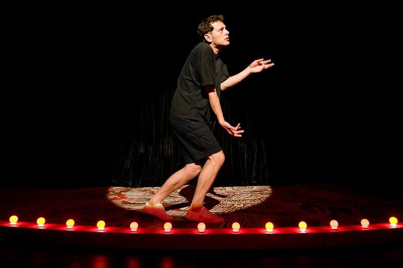 W roku 2011 widzowie Festiwalu Szekspirowskiego obejrzeli Hamleta w interpretacji Teatru im S. Żeromskiego w Kielcach