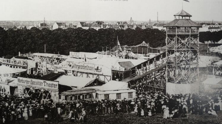 Zjeżdżalnia i objazdowe teatry zagościły na Placu Zebrań Ludowych w 1910 roku