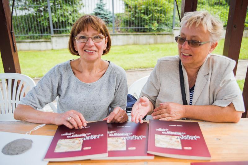 Od lewej: Anna Szumichora - przewodnicząca Rady Dzielnicy Jasień oraz Magdalena Nowicka, prezeska zarządu Rady Dzielnicy Jasień i Stowarzyszenia Jasień