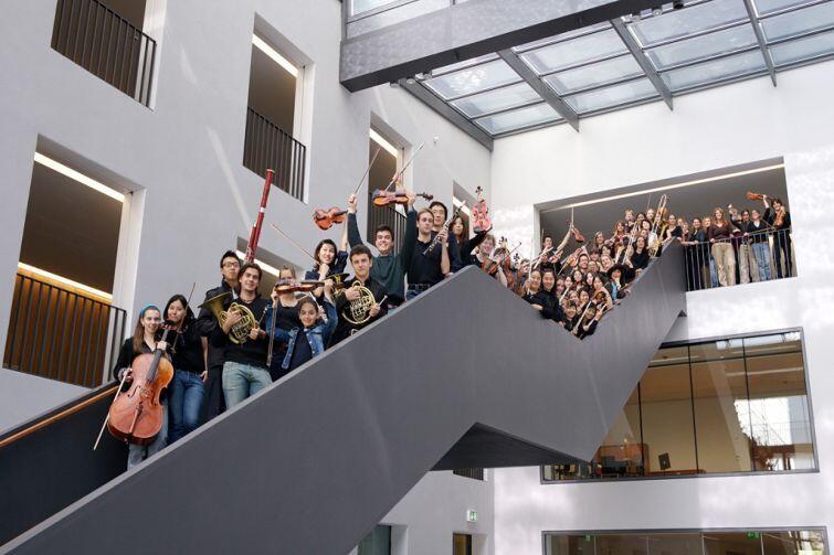 Uniwersytet Mozarteum nie wymaga od nas matury. Można zdawać jeszcze w szkole