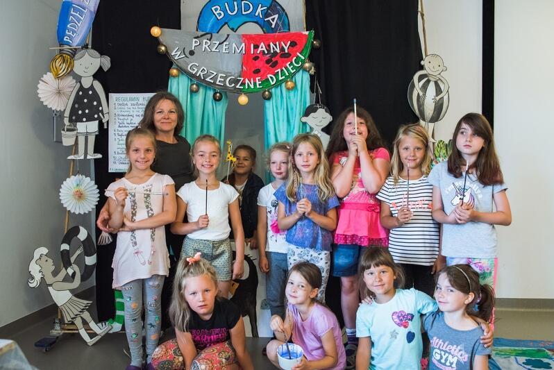 W tworzeniu filmu animowanego o Gdańskim Archipelagu Kultury udział wzięło 16 dzieci plus koordynatorka Izabela Terek-Jopkiewicz