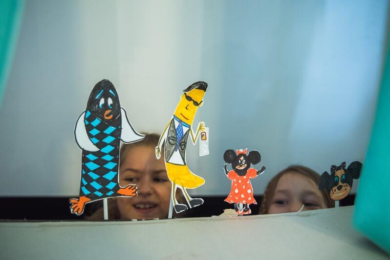 Dzieci z Projektorni GAK chętnie tworzą także przedstawienia teatralne