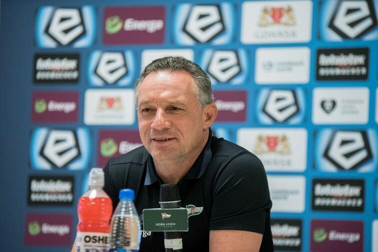 Trener Piotr Nowak pozostaje optymistą. Wierzy, że zbuduje nową, wspaniałą Lechię z tego, co ma