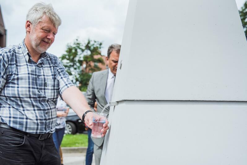 W śródmieściu Gdańska pojawiły się dwa nowe zdroje wodne. Dzięki nim każdy może ugasić pragnienie