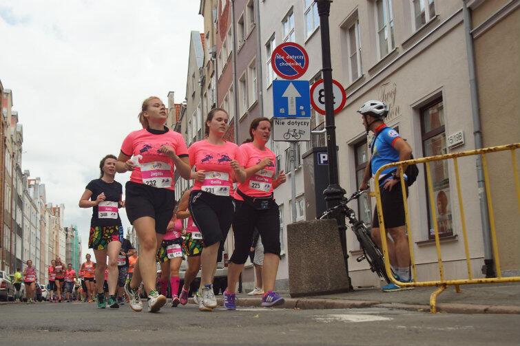 Tak w zeszłym roku na ulicach Głównego Miasta konkurowały między sobą kobiety