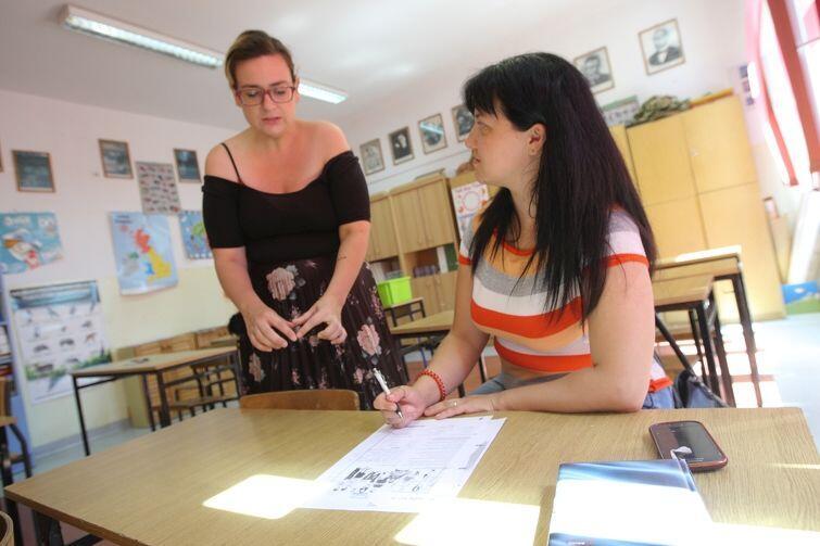 Joanna Wróbel (po lewej) i Lena - na co dzień nauczycielka z miasta Cheroń na południu Ukrainy. Lena marzy o tym, żeby skończyć w Gdańsku studia pedagogiczne i zostać nauczycielką nauczania początkowego