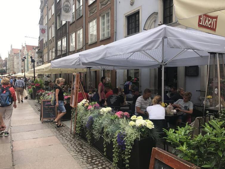 Lookier Cafe & Restaurant