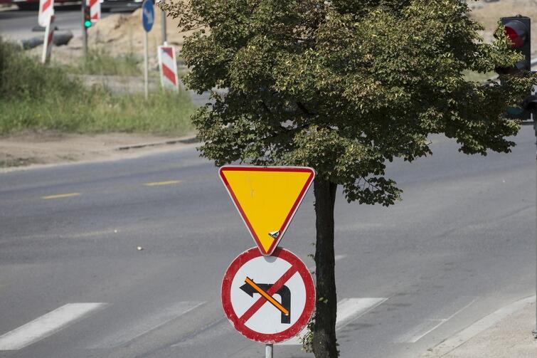 Dzień przed wprowadzeniem zmian, przygotowane były już znaki drogowe