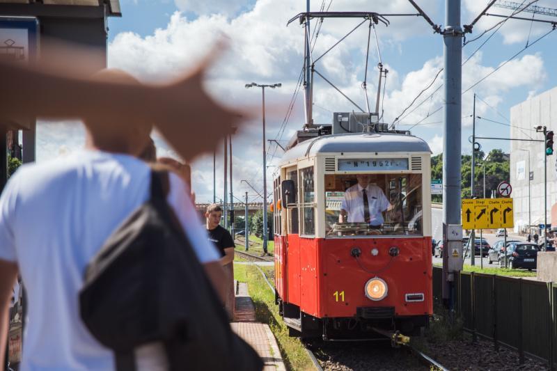 Niedziela, 13 sierpnia, zabytkowy gdański tramwaj na trasie