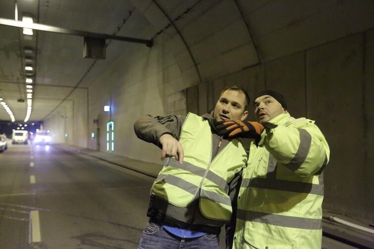 Raz na jakiś czas zamknięcie tunelu jest niezbędne - po to, by mógł dobrze służyć Gdańskowi. Na zdjęciu: przygotowania do mycia jednej z nitek w marcu 2017 r.