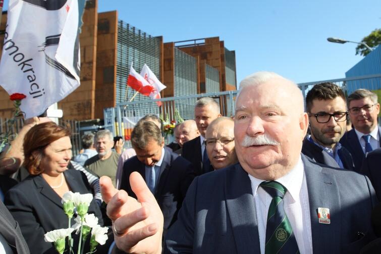 Lech Wałęsa na placu Solidarności w sierpniu 2016 roku