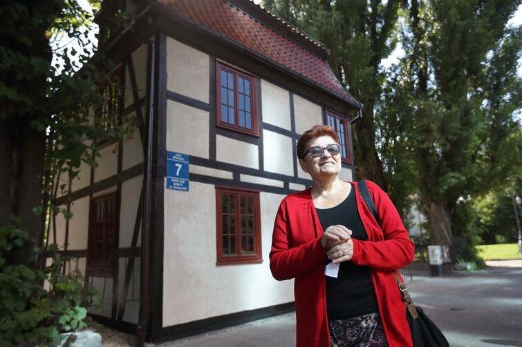 Irmina Olszewska od 37 lat prowadziła w tym miejscu kawiarenkę i zamierza prowadzić ją nadal