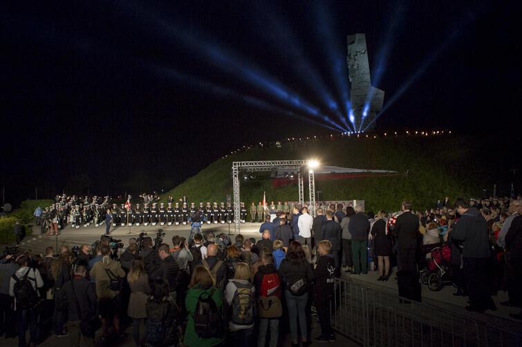 O godz. 4.45 odbyły się pierwsze uroczystości na Westerplatte