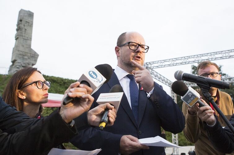 Paweł Adamowicz: - Wojsko nie dotrzymało uzgodnień.