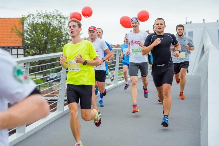 Coraz więcej biegaczy nad Motławą