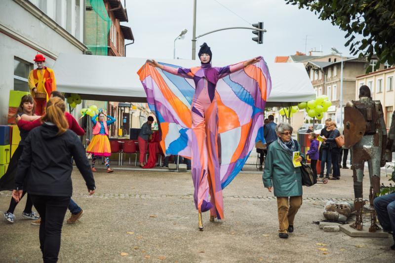 Kolorowe, radosne otwarcie Oliwskiego Ratusza Kultury mieszkańcy zapamiętają na długo. Od teraz mają w Oliwie przestrzeń kulturalną, jakiej ta dzielnica jeszcze nie widziała