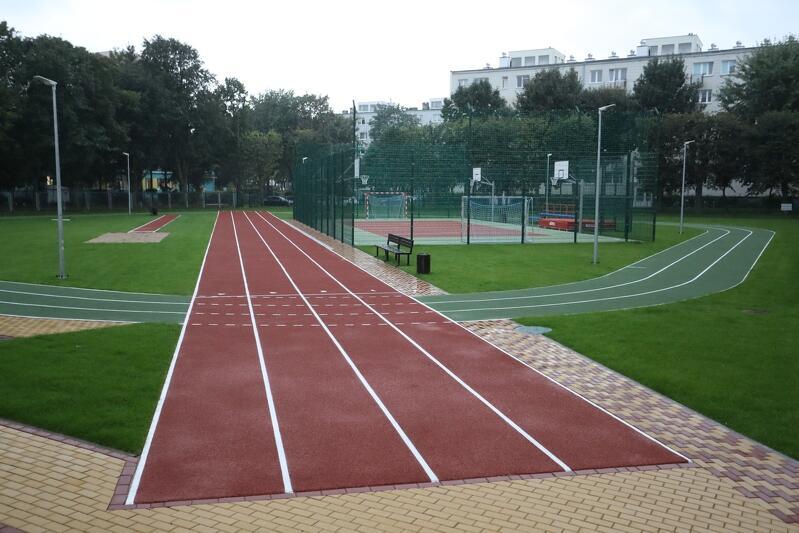 W Gdańsku otwarto właśnie kolejne, już 93 boisko. Tym razem lekkoatletyczne