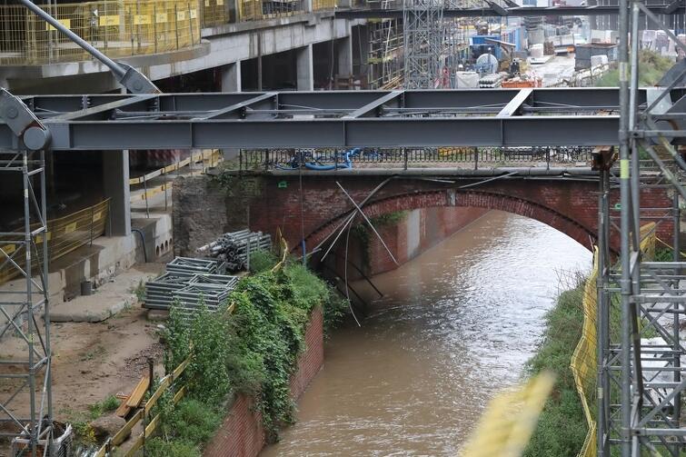Fragment Kanału Raduni biegnie przez Forum Gdańsk. Inwestor chce w tym miejscu dokonać zmian, na które nie godzą się aktywiści miejscy