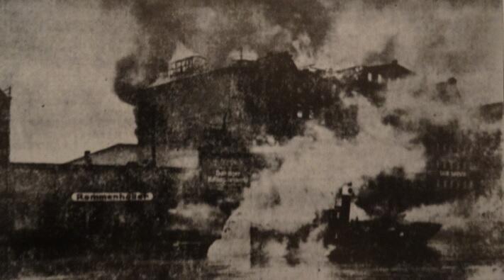 Spichrze płonęły przez trzy dni, gaszono je od strony Wyspy Spichrzów i od Motławy