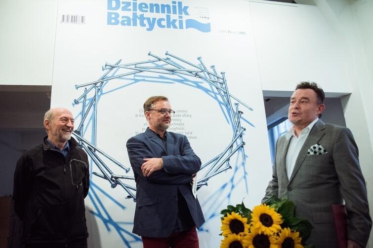 Podczas wernisażu artysta otrzymał Nagrodę Prezydenta Miasta Gdańska w Dziedzinie Kultury z okazji jubileuszu 35-lecia pracy twórczej
