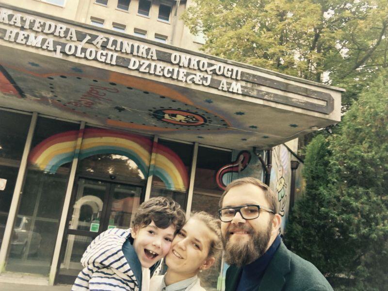 Tomasz i Katarzyna Grybek, rodzice Borysa. Chcemy się dzielić wiedzą i doświadczeniem na temat chorób rzadkich, pokazywać możliwości ich leczenia