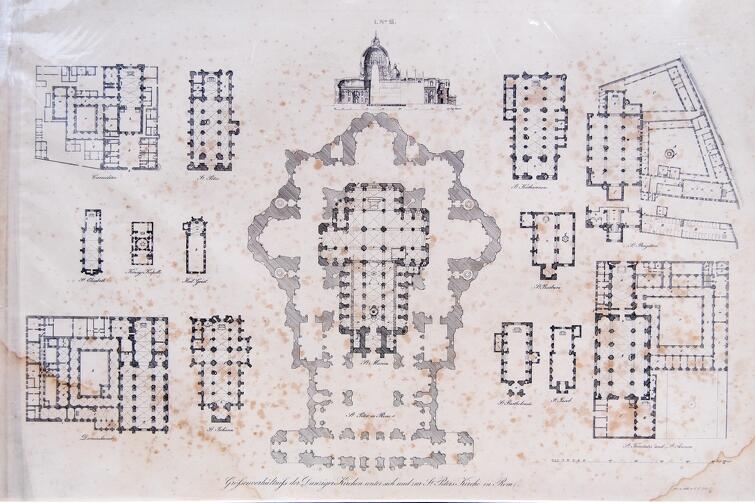 Rysunek architektoniczny przedstawiający rzuty budynków sakralnych istniejących w XIX wieku w Gdańsku, w porównaniu z Bazyliką Mariacką i Bazyliką św. Piotra w Rzymie (pośrodku - największa gdańska świątynia wpisana w największą świątynię Watykanu)