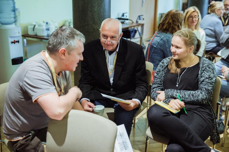 Paneliści to losowo wybrana grupa mieszkańców Gdańska, która odzwierciedla strukturę demograficzną miasta