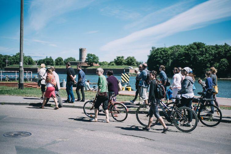 Zwiedzanie Nowego Portu na rowerach