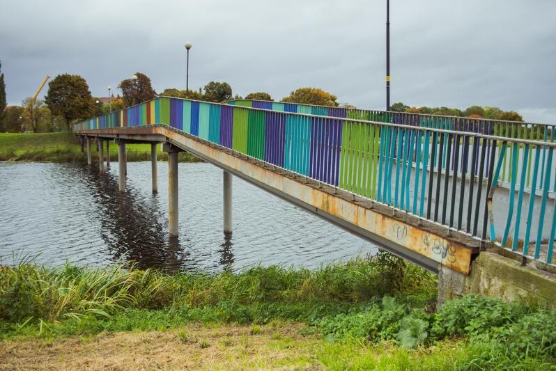 Kolorowy Mostek łączy Olszynkę z Dolnym Miastem. W przyszłym roku to miejsce stanie się atrakcyjniejsze