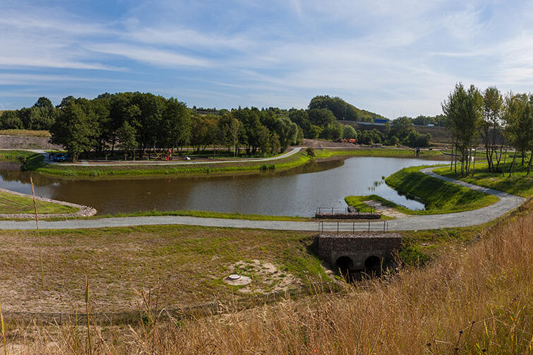 Zbiornik Kiełpinek - bohater lipcowej wielkiej ulewy w Gdańsku - po pracach budowlanych będzie w stanie przyjąć kolejne 20 tys. m. sześć wody