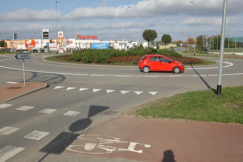 Rondo na skrzyżowaniu ulic Kartuskiej i Szczęśliwej przekształcone w zbliżone do turbinowego