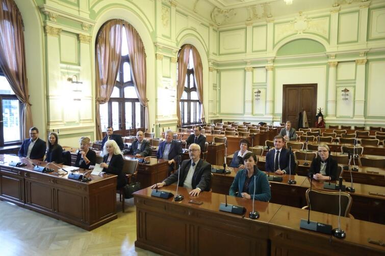 Inauguracyjna sesja odbyła się w Nowym Ratuszu, siedzibie Rady Miasta Gdańska