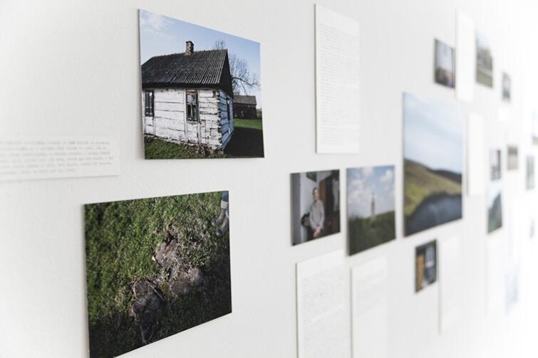 Wystawa składa się z opowieści 12 rodzin