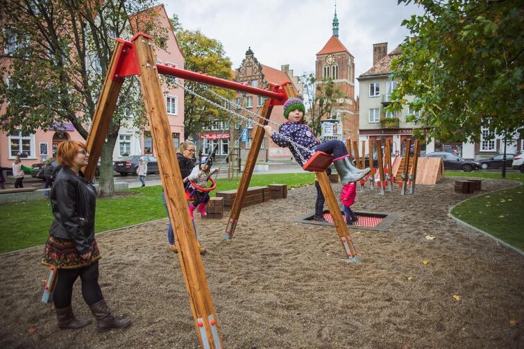 Nowy plac zabaw na Skwerze Świętopełka cieszyć będzie diecci o każdej porze roku