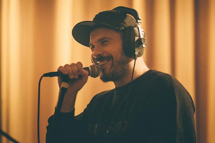 O.S.T.R. - muzyk, producent, instrumentalista i raper, to niezmiennie od wielu lat jeden z najbardziej pracowitych i utalentowanych artystów w Polsce