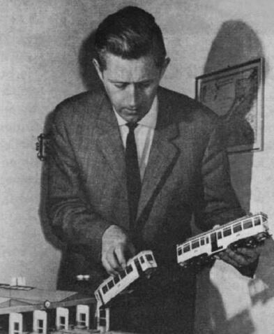Dietrich Scheelje ze swoimi modelami, ok. 1960