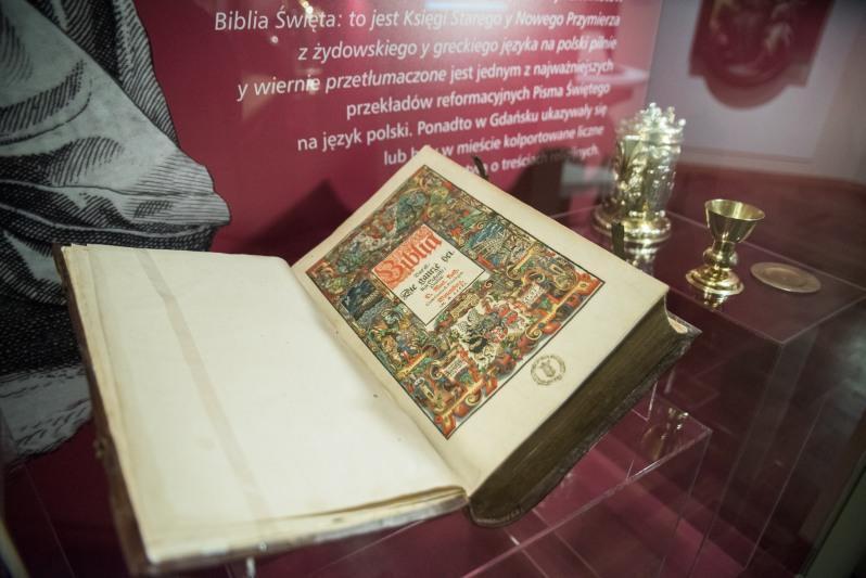 Biblia Święta - jeden z najważniejszych przekładów reformacyjnych Pisma Świętego na język polski