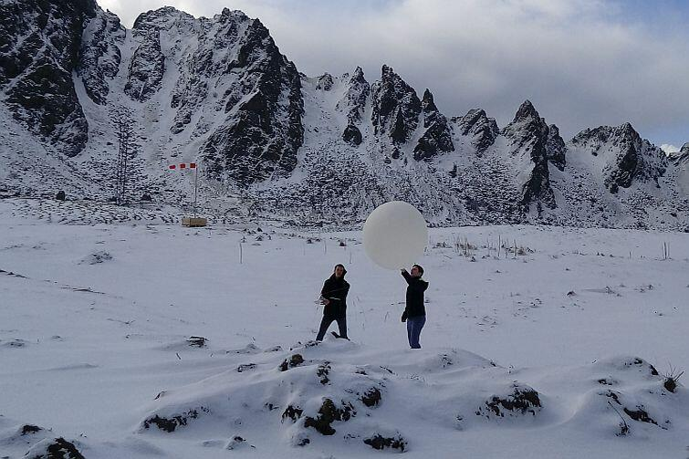 Balon meteorologiczny służył nam do zmierzenia prędkości kierunku wiatru nad ośrodkiem