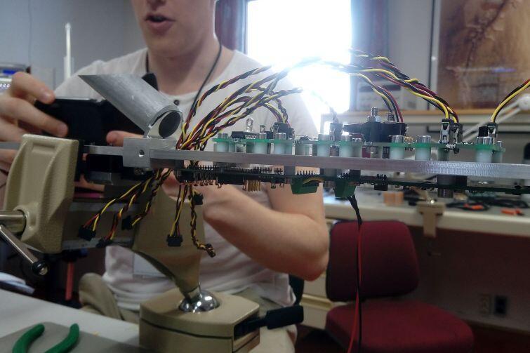 Sensory i okablowanie były przygotowane przez uczestników programu