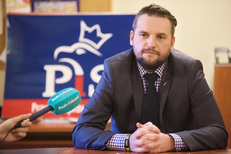 Łukasz Hamadyk, eks-PiS. Radny niezrzeszony mówi, że nie pasowało mu, że gdańskim PiS-em rządził z Gdyni Janusz Śniadek