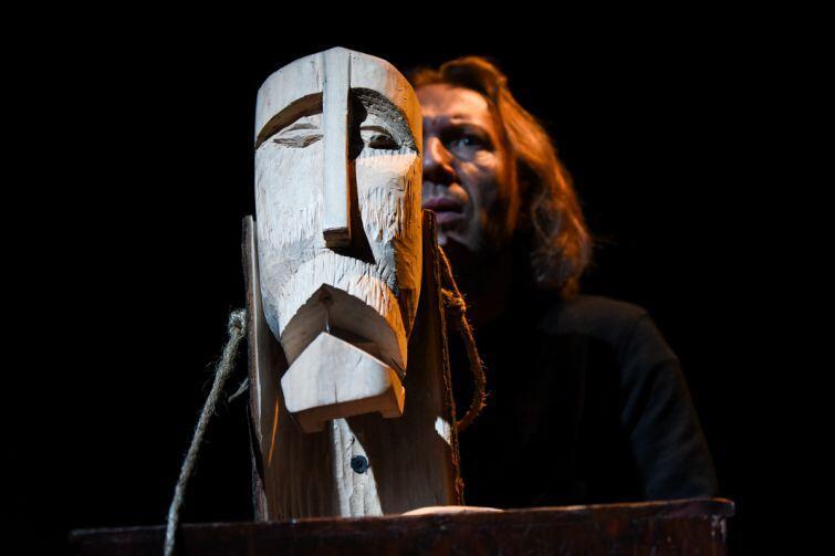 Rzeźbiarz Jakub, który zabił w imię sztuki. Czy zasługuje na przebaczenie i miłość?