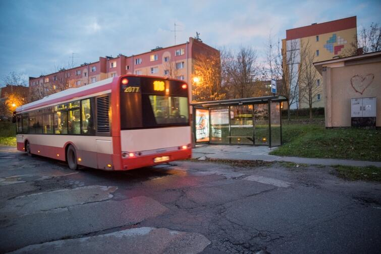 Pętla autobusowa przy ul. Więckowskiego jest w kiepskim stanie. Tu nie ma dyskusji - w przyszłym roku zostanie wyremontowana